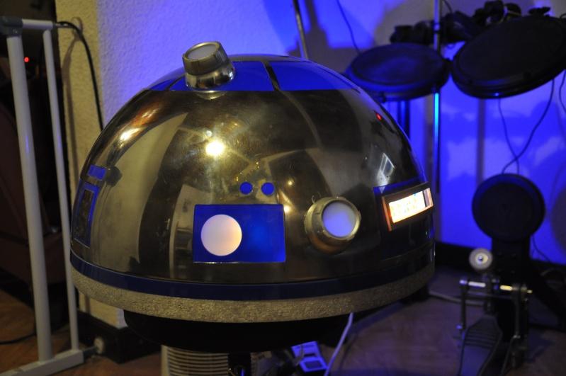 le R2-D2 a larsen life size R2_d2136