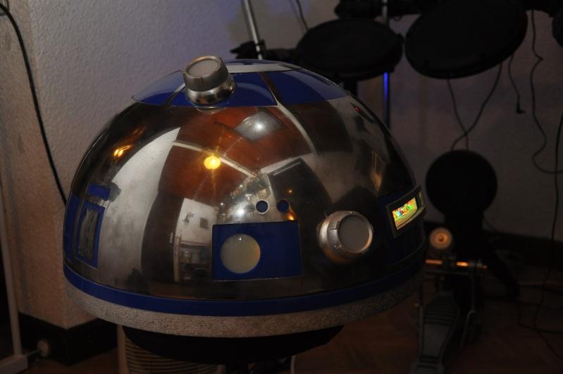 le R2-D2 a larsen life size R2_d2137