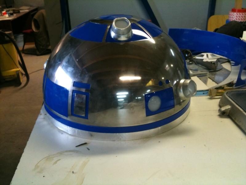 le R2-D2 a larsen life size R2_d2165