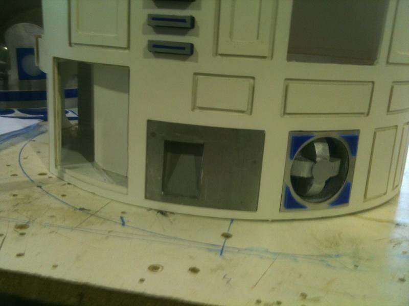 le R2-D2 a larsen life size R2_d2183
