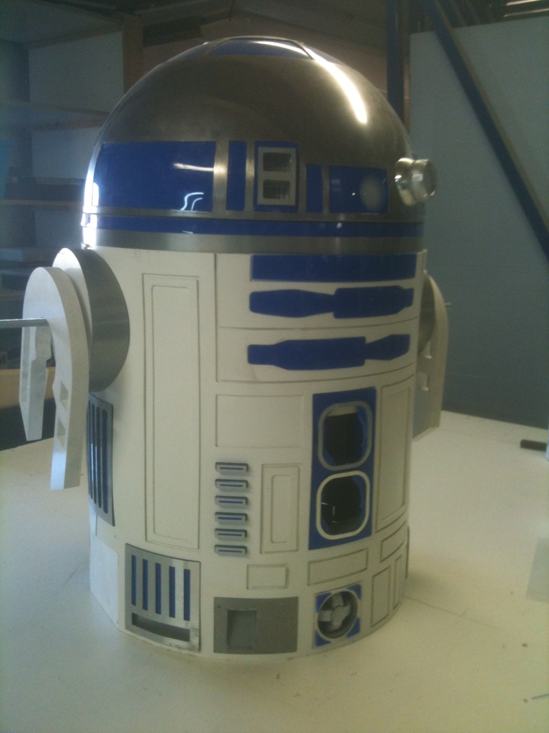 le R2-D2 a larsen life size R2_d2187