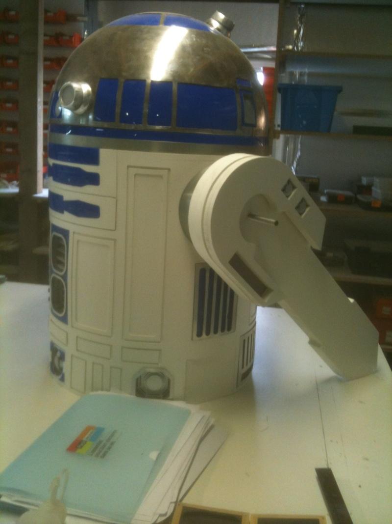 le R2-D2 a larsen life size R2_d2202