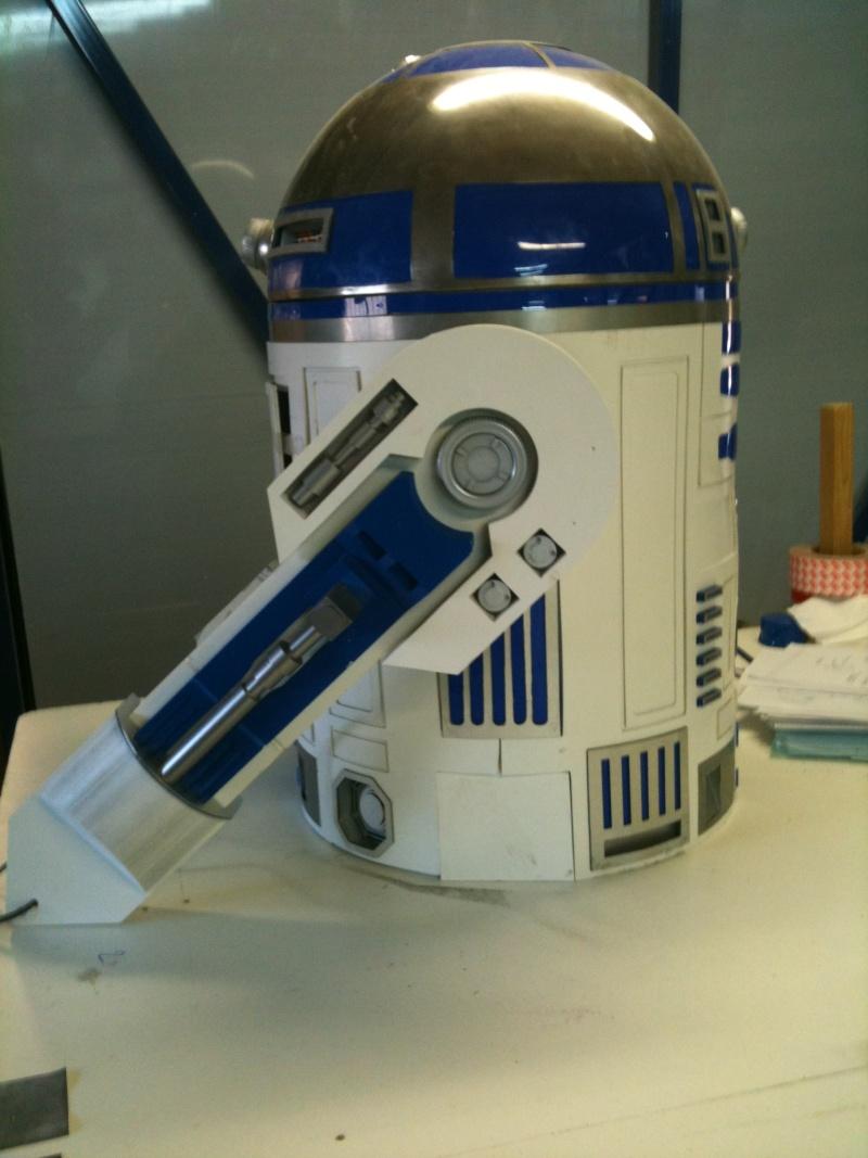 le R2-D2 a larsen life size R2_d2231
