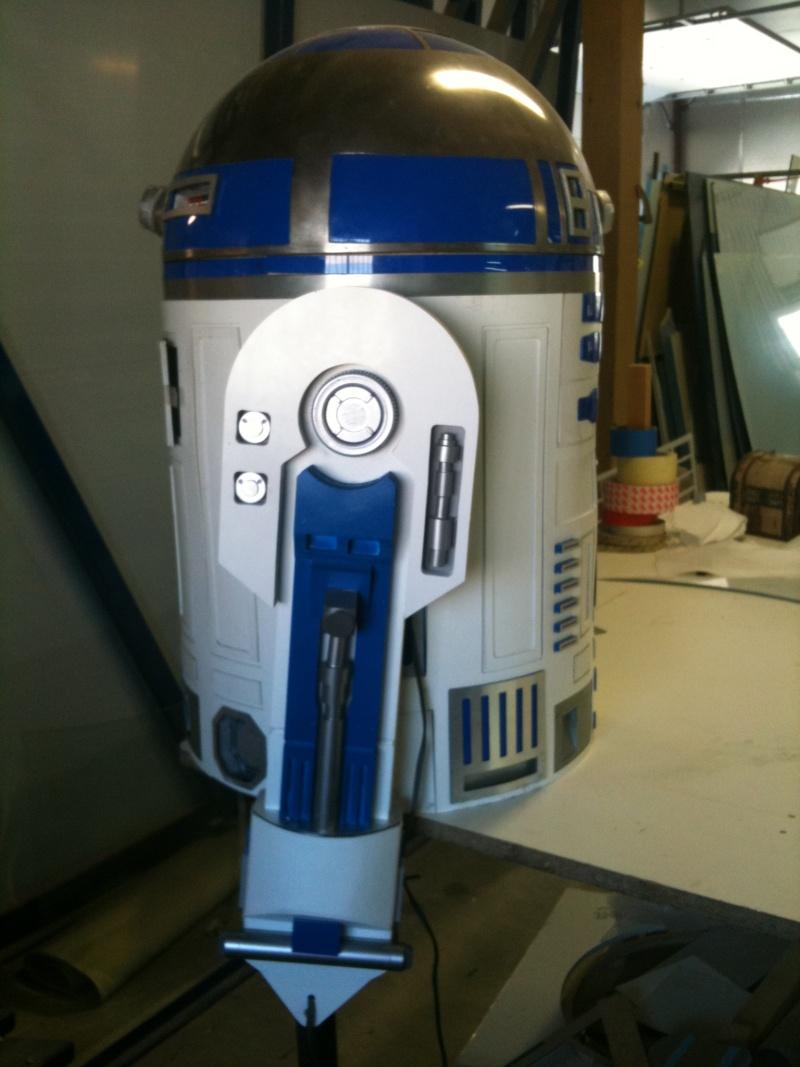 le R2-D2 a larsen life size R2_d2246
