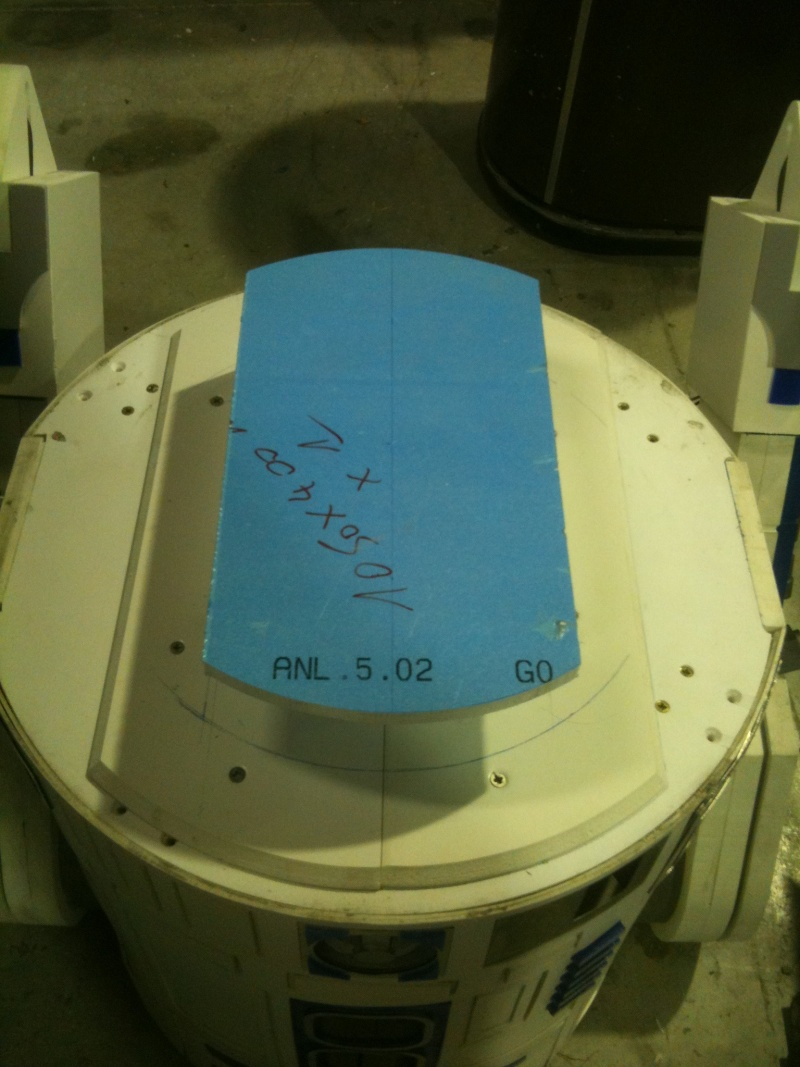 le R2-D2 a larsen life size - Page 2 R2_d2253