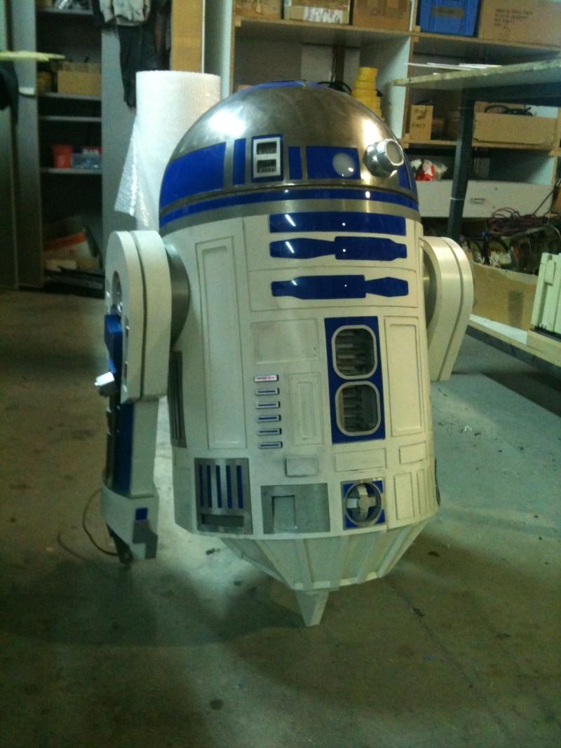 le R2-D2 a larsen life size - Page 2 R2_d2265