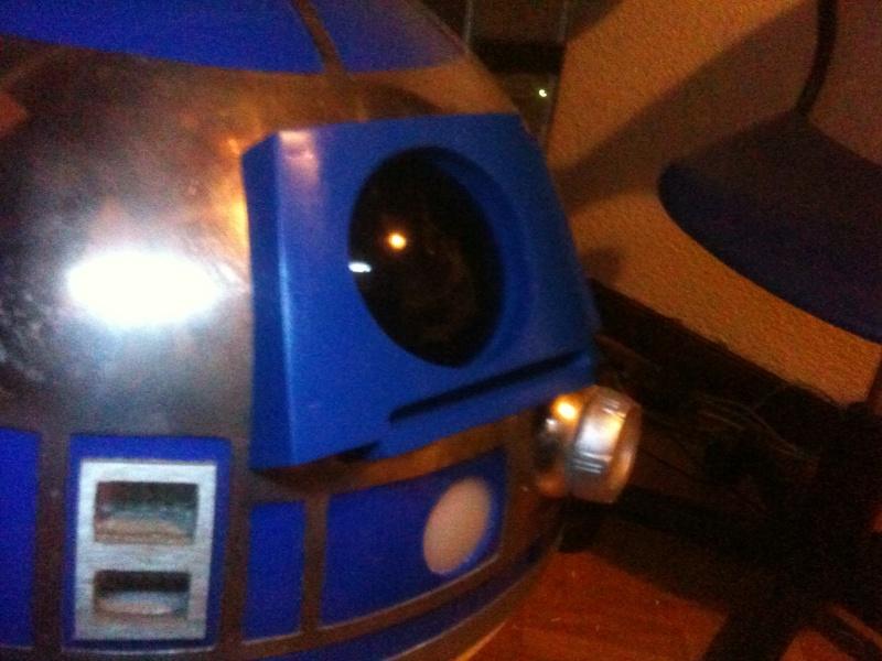 le R2-D2 a larsen life size - Page 3 R2_d2294