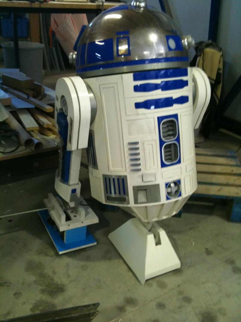 le R2-D2 a larsen life size - Page 3 R2_d2316