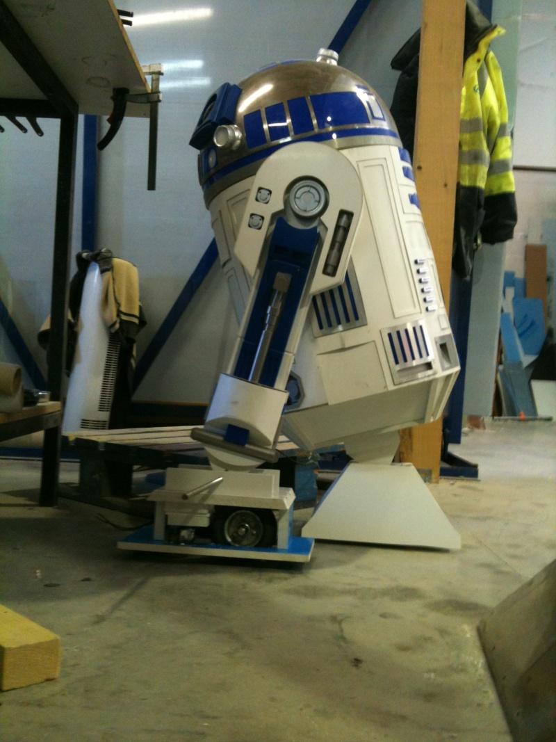 le R2-D2 a larsen life size - Page 3 R2_d2317