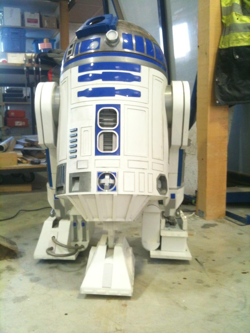 le R2-D2 a larsen life size - Page 5 R2_d2357