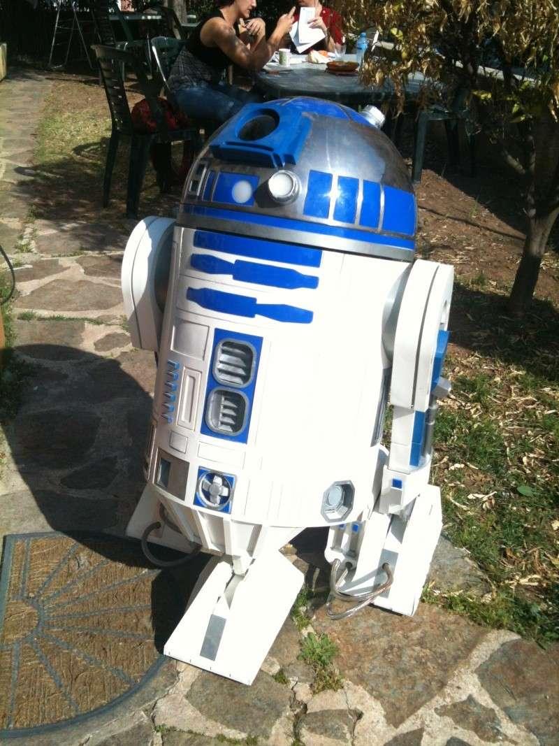 le R2-D2 a larsen life size - Page 5 R2_d2373