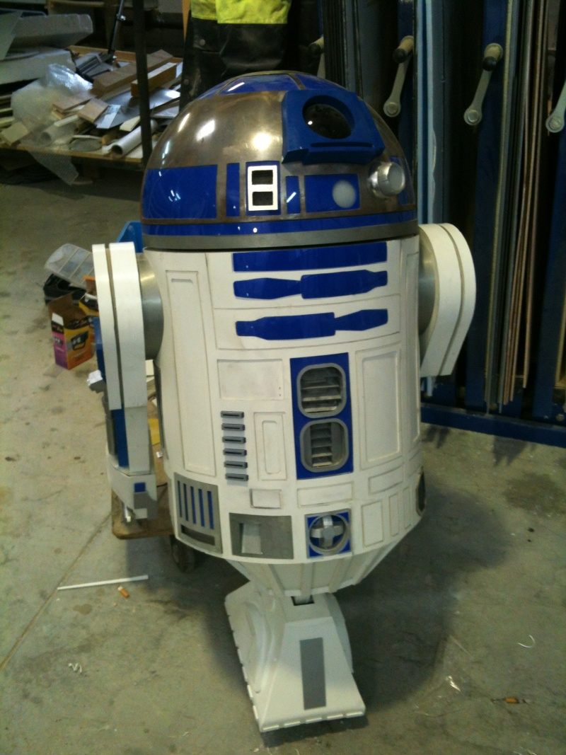 le R2-D2 a larsen life size - Page 8 R2_d2452