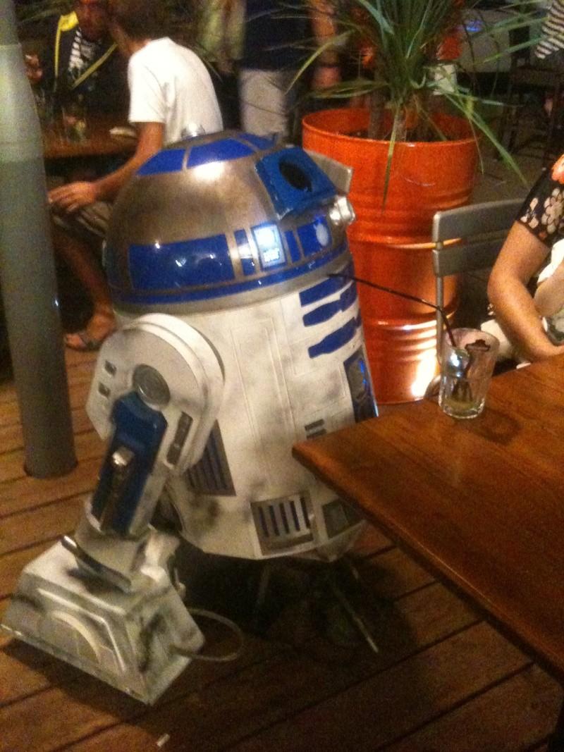 le R2-D2 a larsen life size - Page 10 R2_d2525