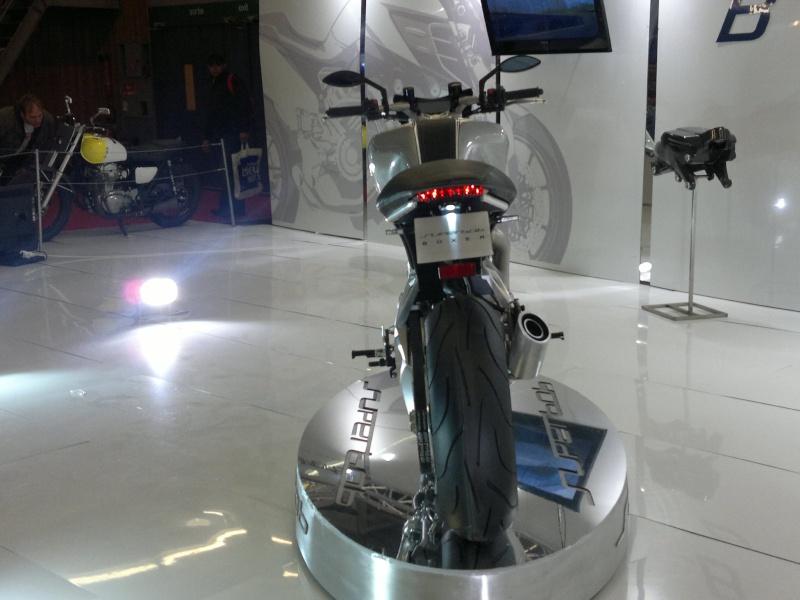 salon de la moto Paris 2011 - Page 2 04122035