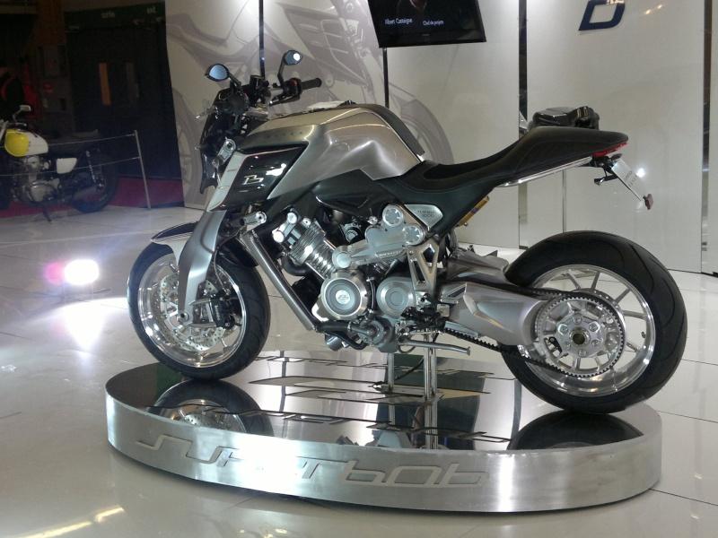 salon de la moto Paris 2011 - Page 2 04122036
