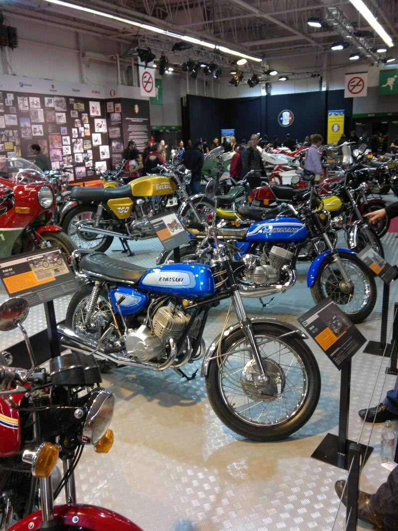 salon de la moto Paris 2011 - Page 2 04122040