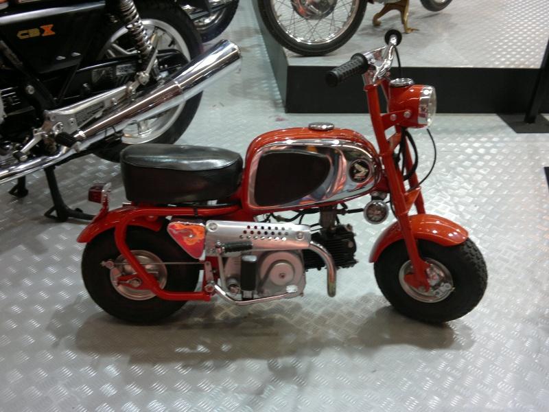 salon de la moto Paris 2011 - Page 2 04122042