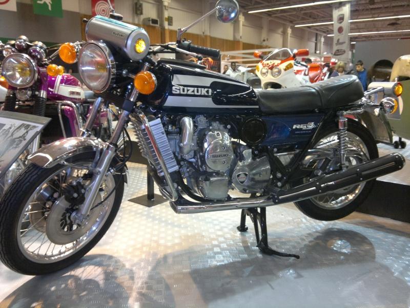 salon de la moto Paris 2011 - Page 2 04122044