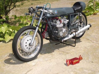 Construction 250 GP modèle réduit Benell57