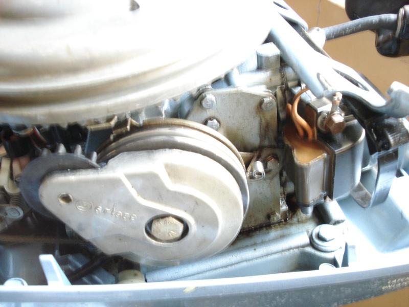 Réparation Poignée d'accélération et changement du joint carter Dsc03010