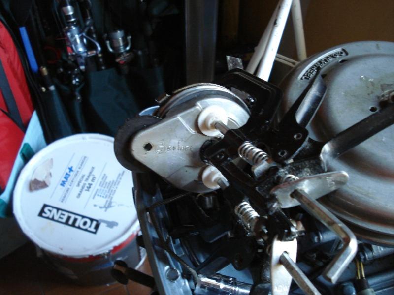 Réparation Poignée d'accélération et changement du joint carter Dsc03013