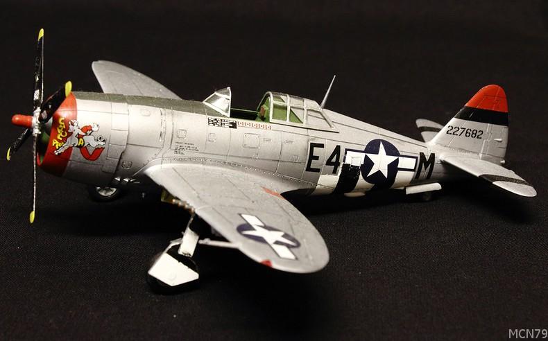 [ACADEMY] REPUBLIC P-47D THUNDERBOLT RAZOR BACK 1/72ème Réf 2175 P47car10