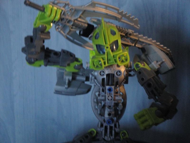 [MOC] Les bionicle mocs de Giganova - Page 2 Dsc09812
