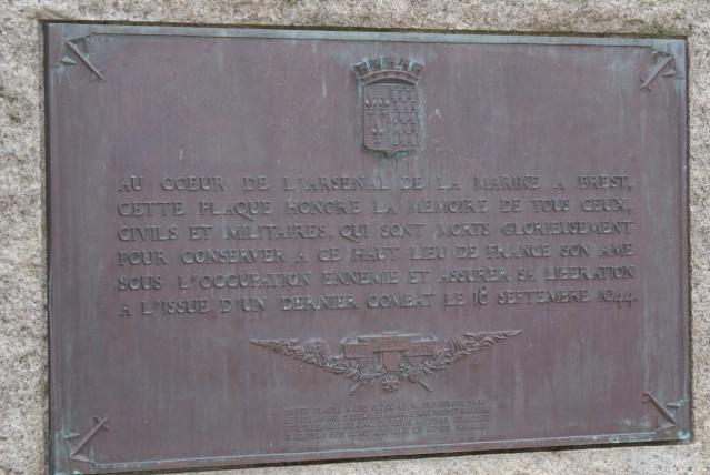 [Histoires et Histoire] Monuments aux morts originaux Français Tome 1 - Page 2 Dsc00317