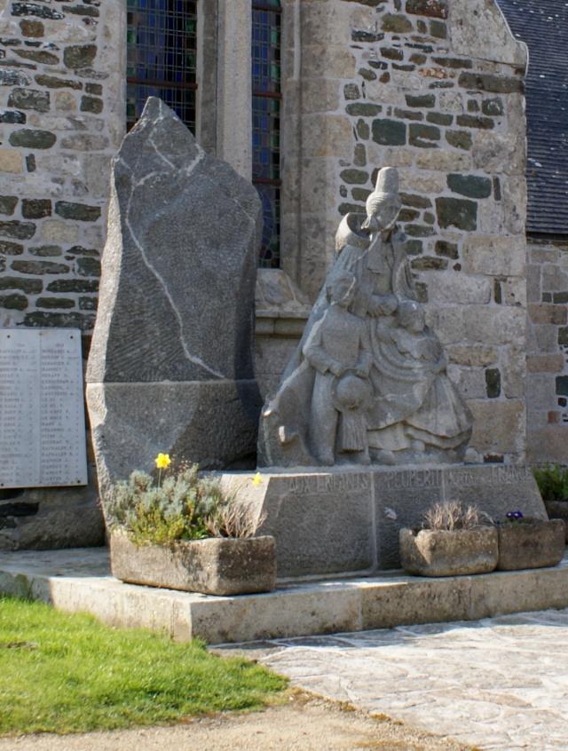 [Histoires et Histoire] Monuments aux morts originaux Français Tome 1 Dsc00910