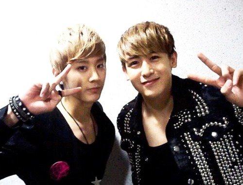 Selca Nichkhun hyung & Chunji (Twitter)  29563210