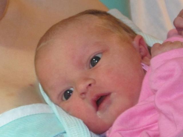 Les yeux de bébé - Page 2 Clara110