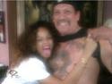 Rihanna dans un salon de tatouage. Norma579