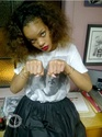 Rihanna dans un salon de tatouage. Norma580