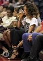 Rihanna a un match de basket. Norma604