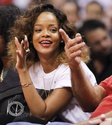 Rihanna a un match de basket. Norma607