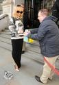 Rihanna quitte son hôtel à Londres Norma828