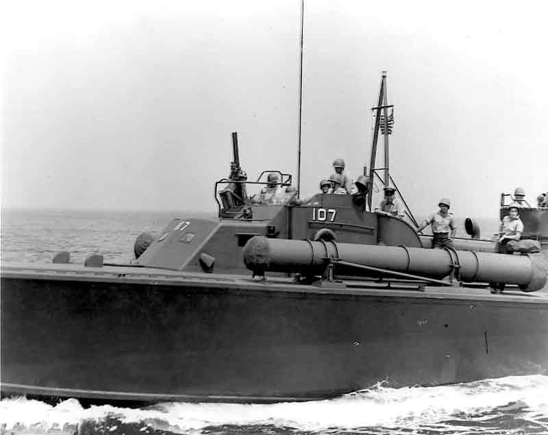 Vedettes lance-torpilles PT-BOATS (Pacifique) - Page 2 12-03110