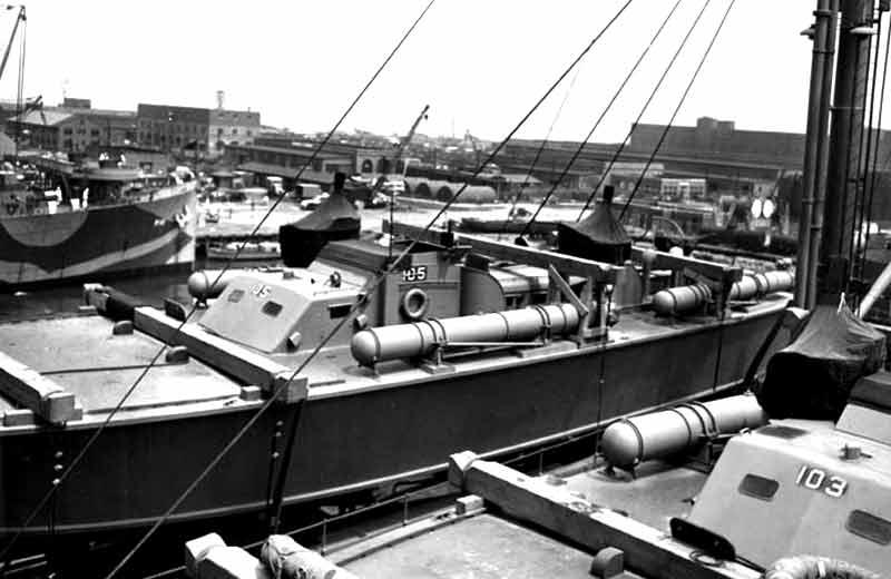 Vedettes lance-torpilles PT-BOATS (Pacifique) - Page 2 13-03110