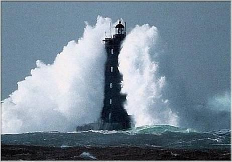 Photos d'accidents et de tempête en mer 15618113
