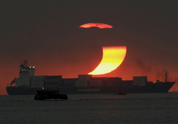 les plus belle photos de couchers de soleil - Page 3 16604710