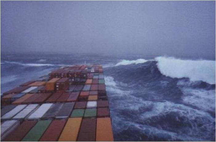 Photos d'accidents et de tempête en mer 20022912