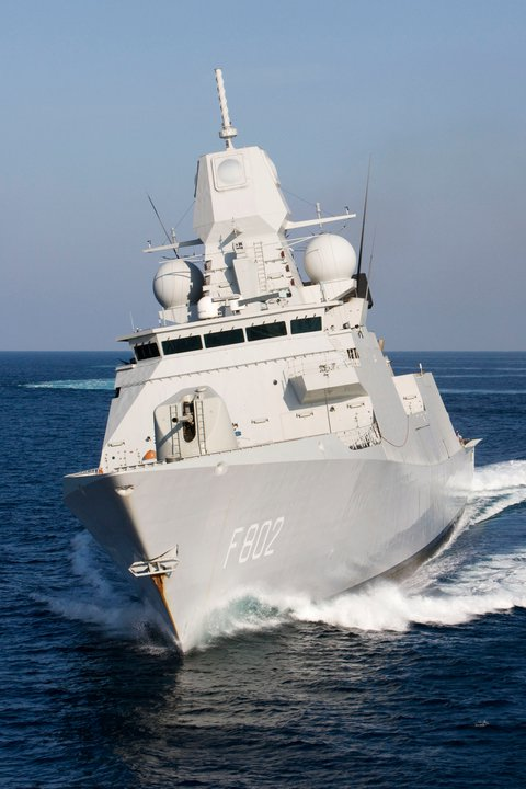 De Zeven Provinciën air defense and command class frigates - Page 3 22460110