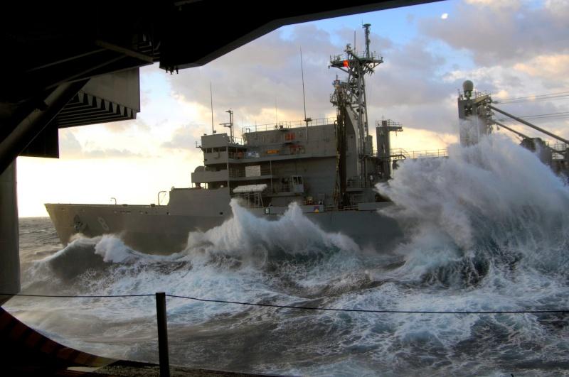 Photos d'accidents et de tempête en mer - Page 2 24424310