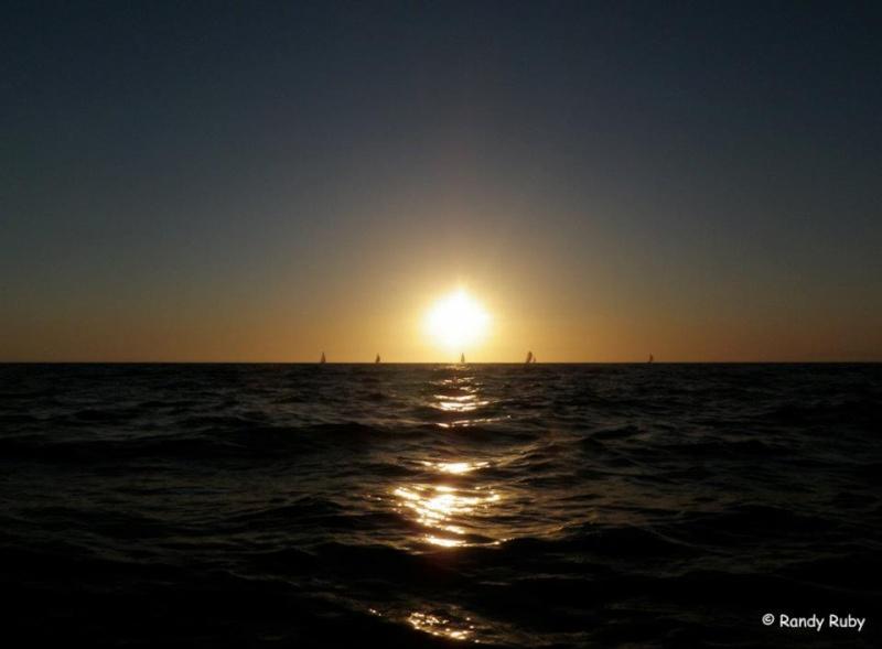 les plus belle photos de couchers de soleil - Page 4 29269510