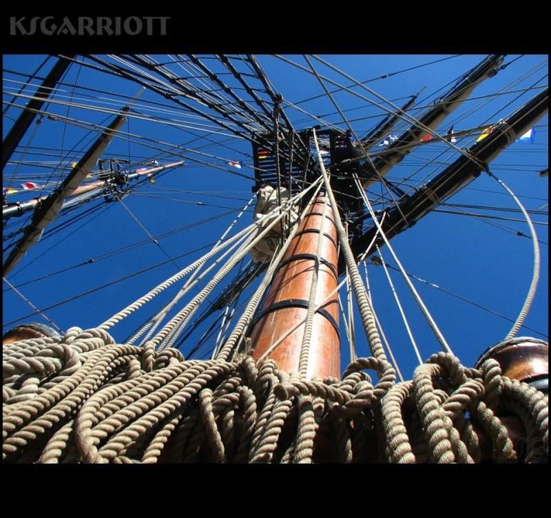 Les plus belle photos du HMS Bounty - Page 2 29366210