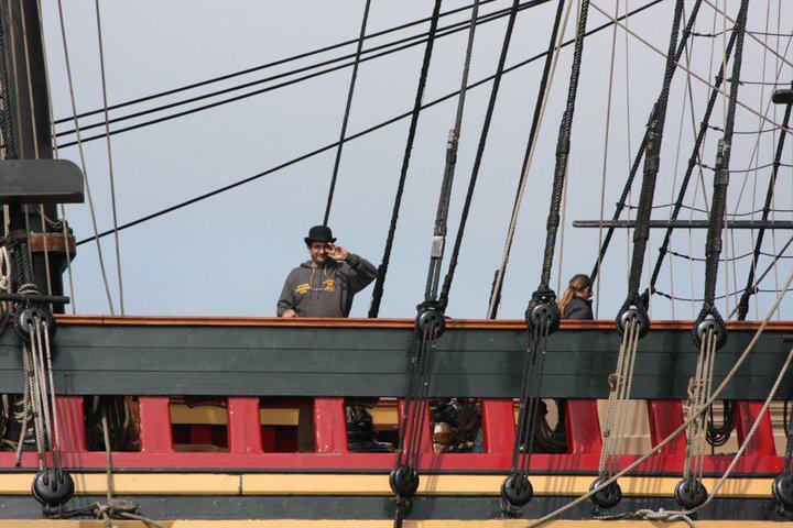 Les plus belle photos du HMS Bounty - Page 2 29390910