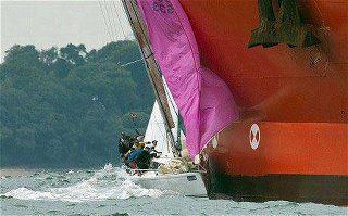 Photos d'accidents et de tempête en mer - Page 2 30172114