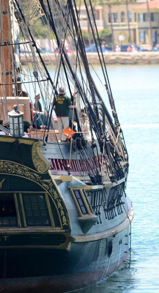 Les plus belle photos du HMS Bounty - Page 2 30336710