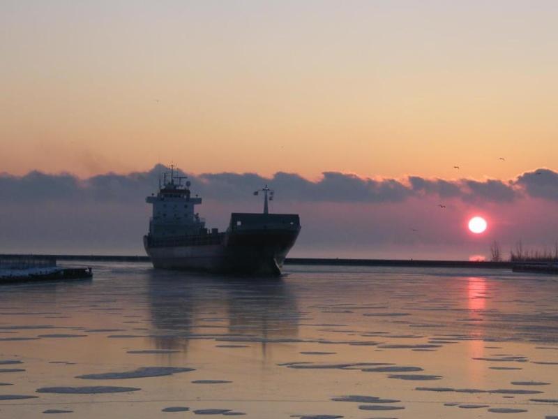 les plus belle photos de couchers de soleil - Page 3 30363710