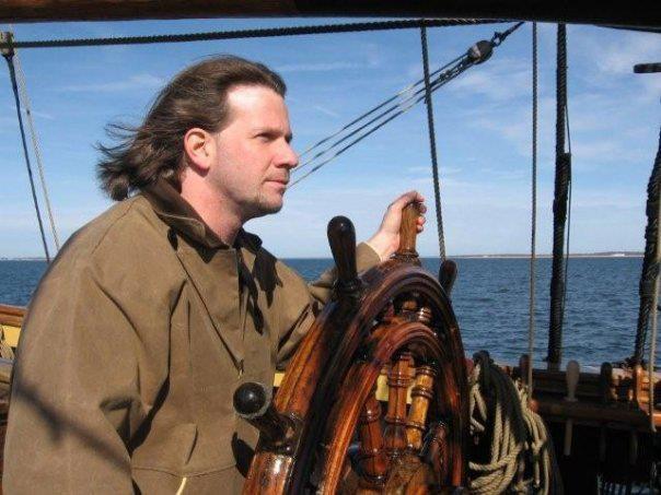 Les plus belle photos du HMS Bounty - Page 2 31055710